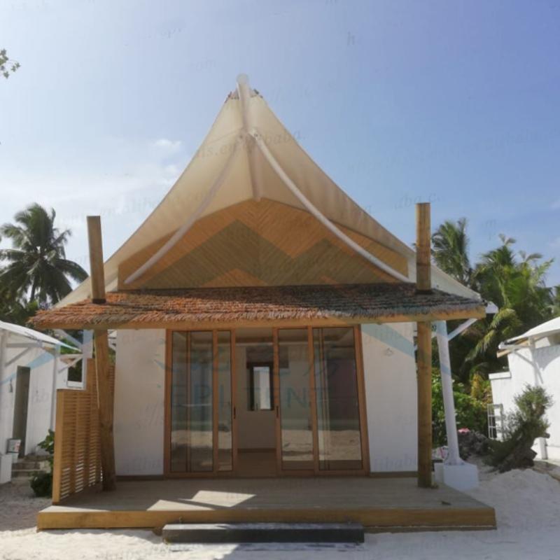 Maldiver, hotell- och hotelltält vid kusten