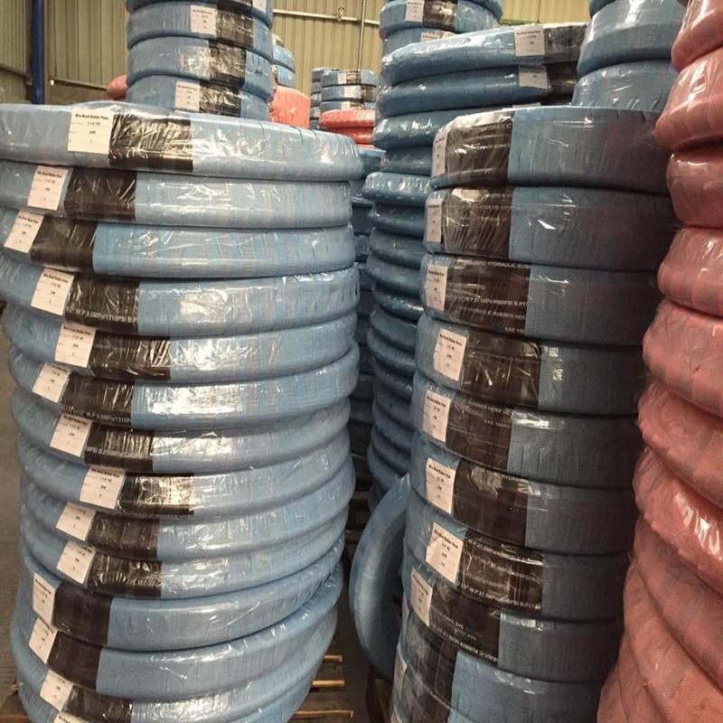 Förpackning och leverans av hydraulslang